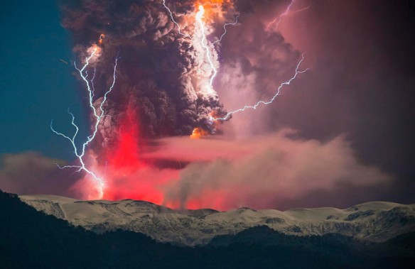 erupted-volcano-chile-francisco-negroni-14-660x429
