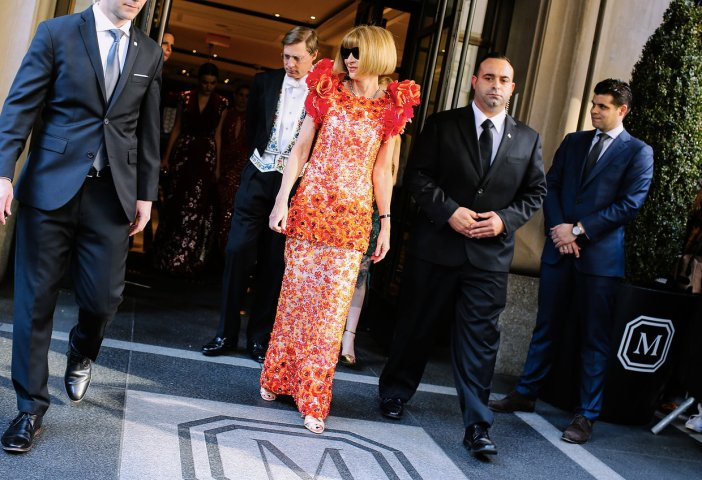 met-gala-2015-phil-oh-entrances-exits-011