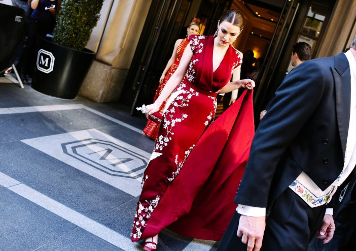 met-gala-2015-phil-oh-entrances-exits-051
